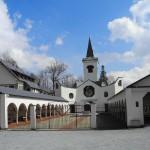 klášter vstup